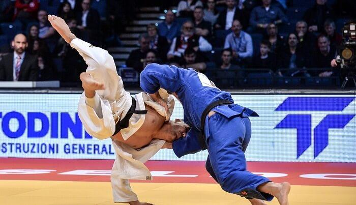 Johannes Frey sichert sich den Titel als Deutscher Meister in der Klasse bis 100 kg.