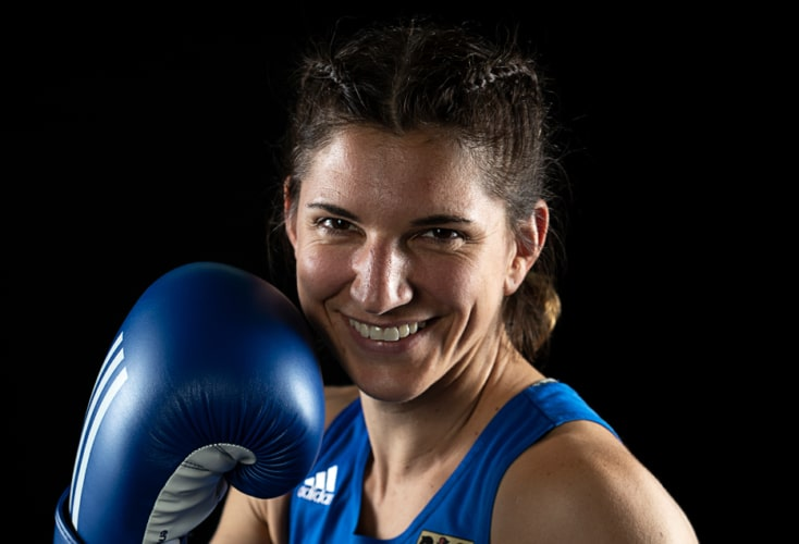 Nadine Apetz holt die erste Silbermedaille beim Cologne Boxing Worldcup (Bild: OSP Rheinland)