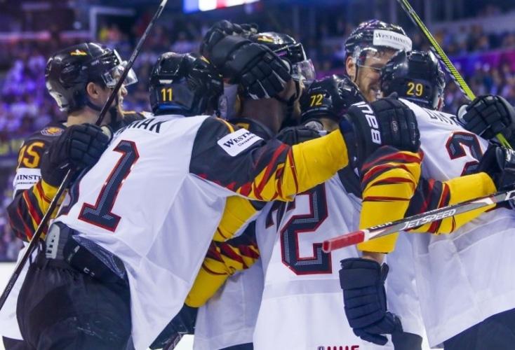 Das deutsche Eishockey-Team mit 4. Sieg in Folge bei der WM (Bild: DEB)