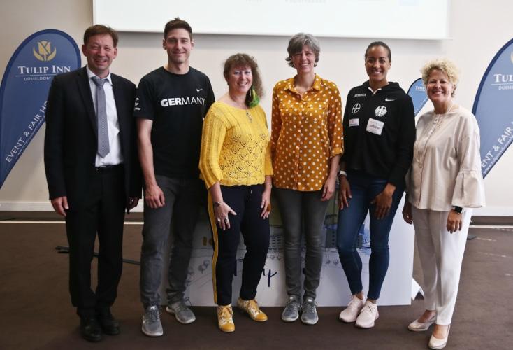 Pressekonferenz der Fecht-EM: v.l.n.r. Hintzsche, Hartung, Milz, Bokel, Ndolo, Stratmann (Bild: David Young)