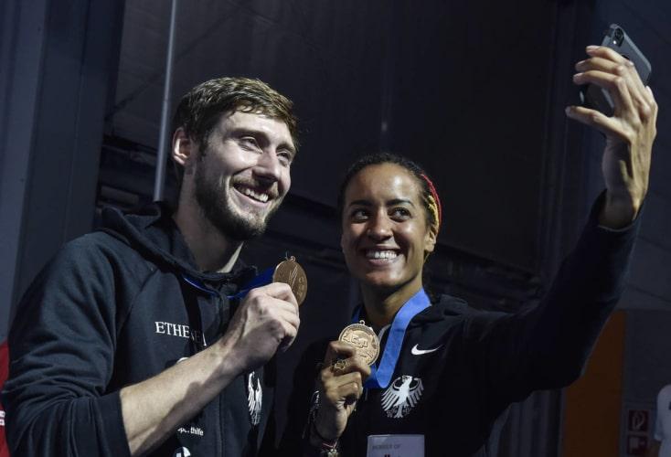 Max Hartung und Alexandra Ndolo strahlen um die Wette: jeweils Bronze bei der Heim-EM (Bild: Augusto Bizzi)