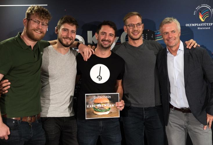 Hatten viel Spaß beim OSP-Sommerfest (von links): Richard Hübers, Max Hartung, Matyas Szabo, Benedikt Wagner und Tom Bartels (Bild: OSP Rheinland / Peter Eilers)
