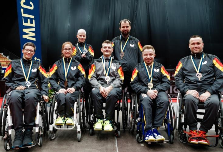 Freude bei den deutschen Medaillengewinnern mit OSP-Athlet Thomas Rau (im Bild rechts). Quelle: Binh Truong / DBS