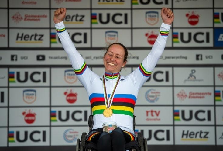 Große Freude bei Annika Zeyen (Bild: © Oliver Kremer, sports.pixolli.com)