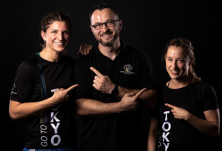 Coach Lukas Wilaschek mit seinen Schützlingen Nadine Apetz (links) und Uschi Gottlob (Bild: OSP NRW/Rheinland, Peter Eilers)