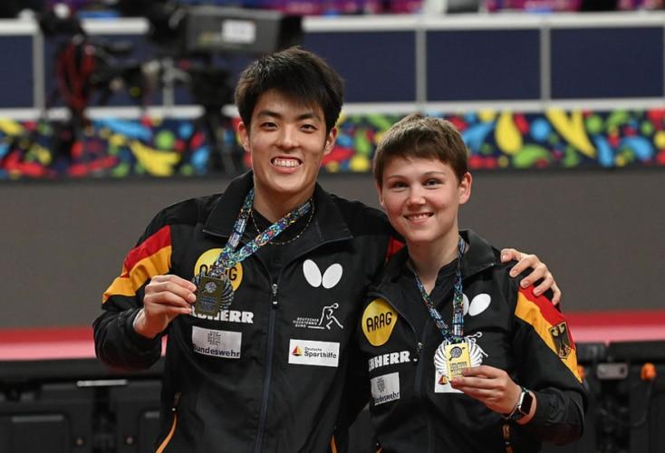 EM-Gold im Mixed für Nina Mittelham und Partner Dang Qiu (Bild: Deutscher Tischtennis-Bund)