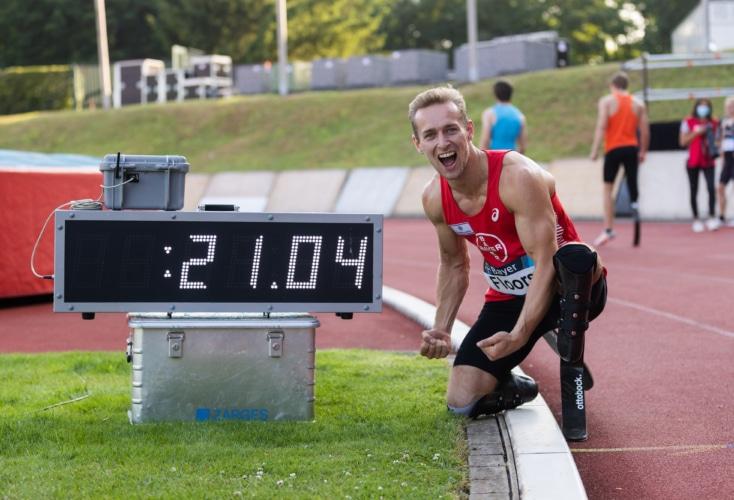 Johannes Floors läuft 200m Weltrekord (Bild: Mika Volkmann)