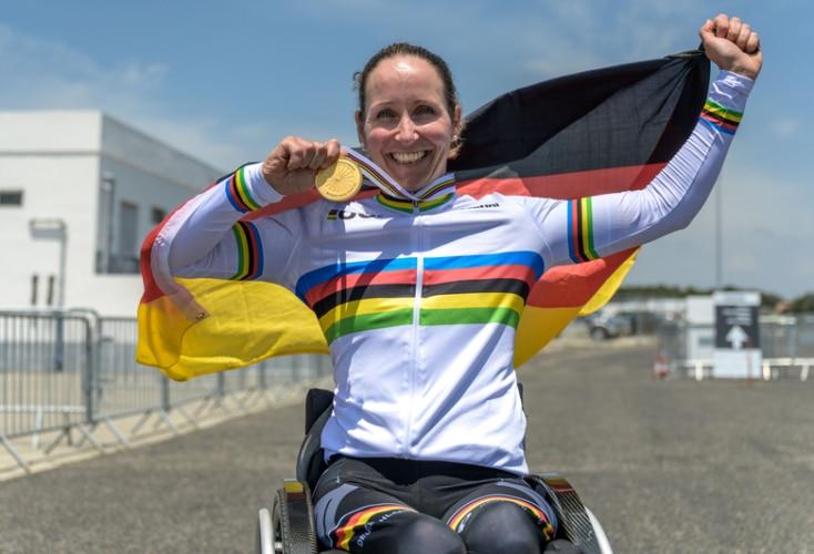 Große Freude bei Annika Zeyen über ihr WM-Gold (Bild: © Oliver Kremer, sports.pixolli.com)