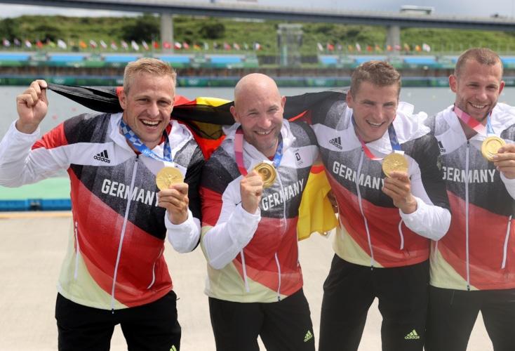 Kanu-Rennsport: Gold für den Kajak-Vierer mit OSP-Athlet Max Rendschmidt links im Bild (Bild: Picture Alliance)